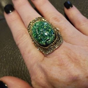 Jewelry - Vintage inspired ring. Great colors!
